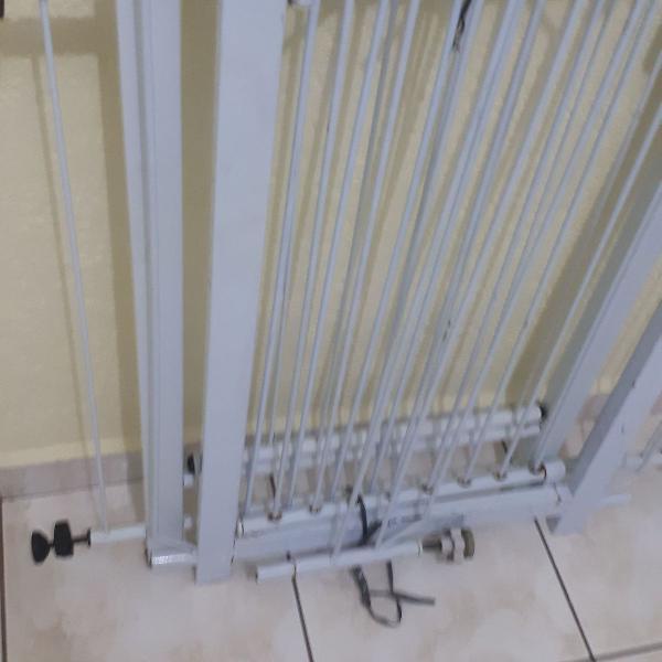Grade proteção portão criança bebê