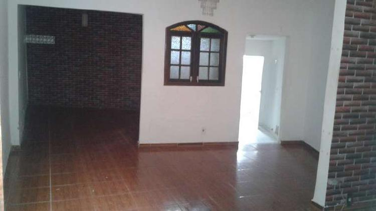 Casa duplex de vila de 03 quartos no jardim guanabara