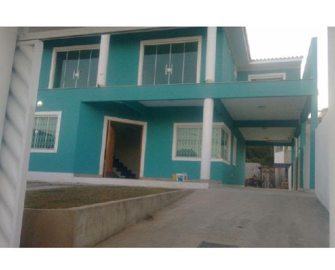 Excelente casa dois andares 4 quartos