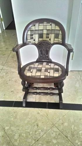 Linda cadeira de balanço,década 50/60,com molas e madeira