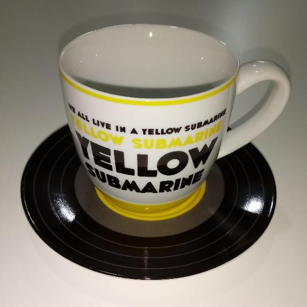 Xícara de chá beatles yellow submarine