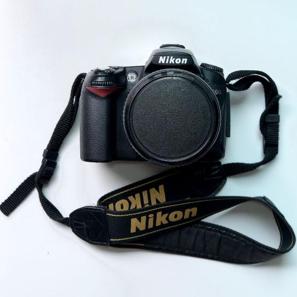 Camera nikon d90 + lente af-s nikkor 18-105mm