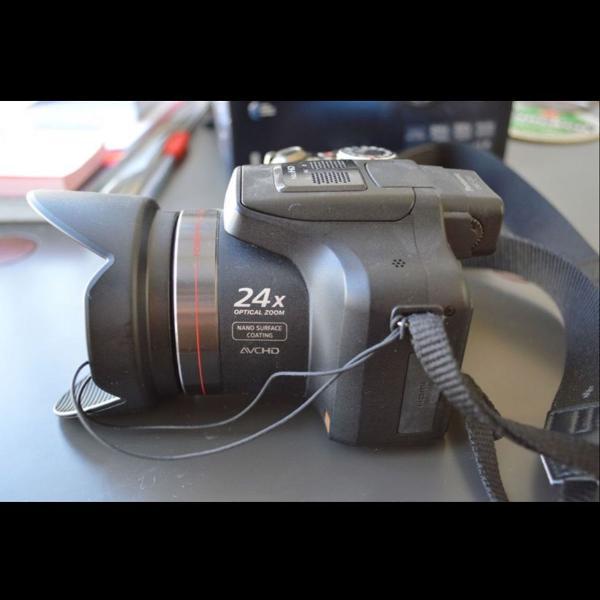 Camera semiprofessional lumix fz47