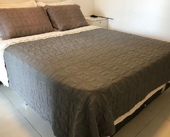Vendo conjunto cama box e colchão tamanho queen