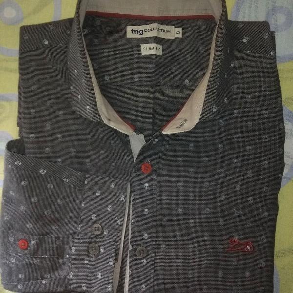 Camisa social tng usada, slim fit, com desenhos estampados