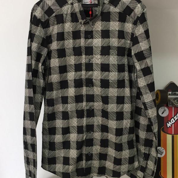 Camisa xadrez preta lacoste red!