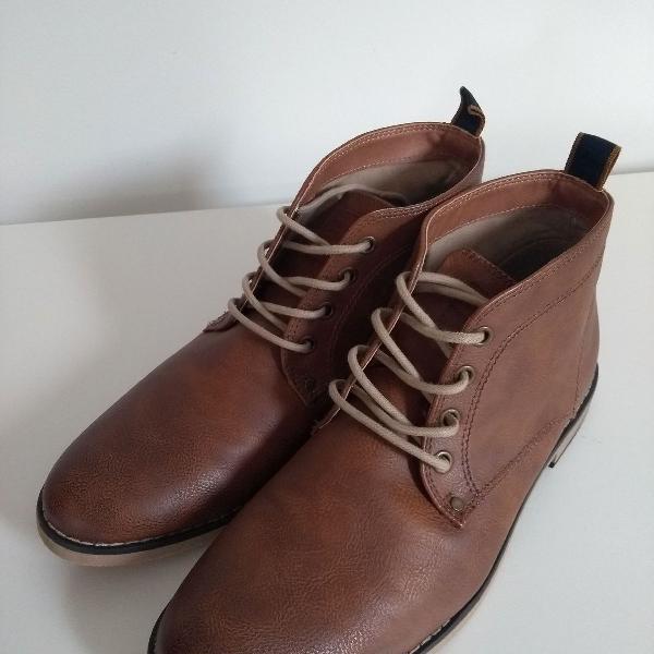 Lindíssimo par de botas h&m tam. 40 novas.