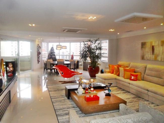 Apartamento para venda possui 275 metros quadrados com 4