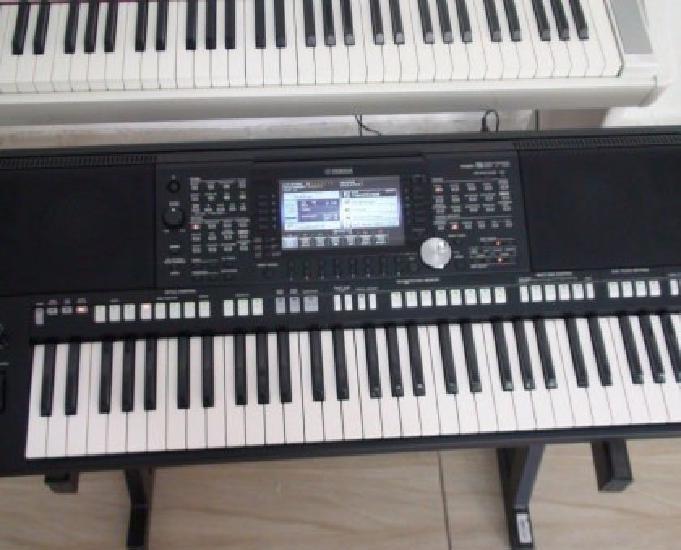 Teclado Yamaha PSR s975 novo