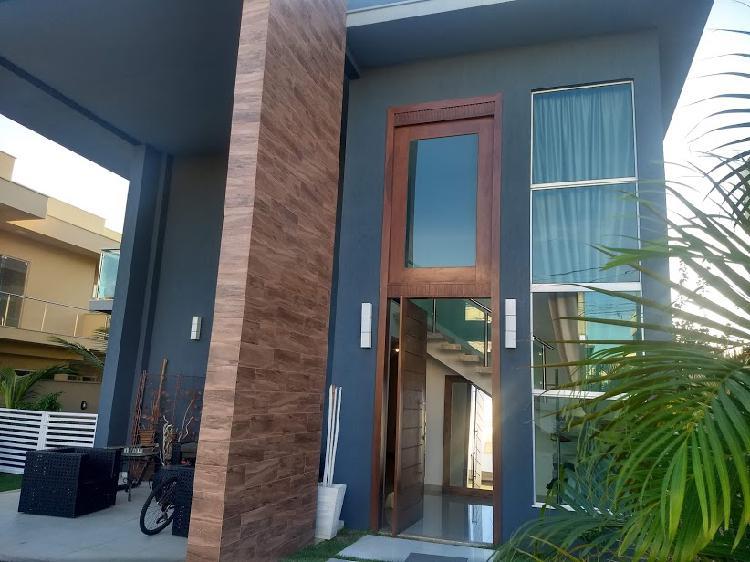 Casa de condomínio fechado alto padrão