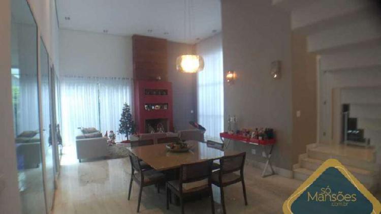 Casa individual – lote 735m² - 390m² edificados – 3 qts