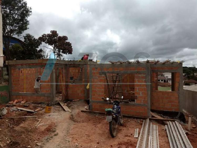 Excelentes casas em obras com 03 dormitórios no são dimas