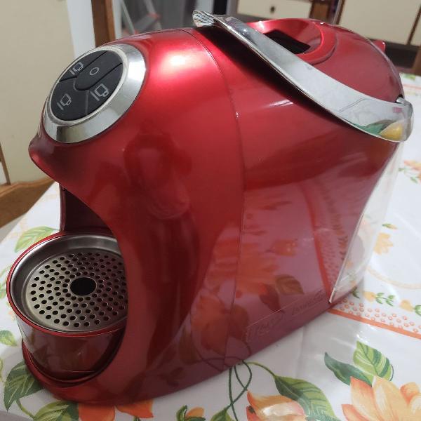 Máquina de café 3corações versa