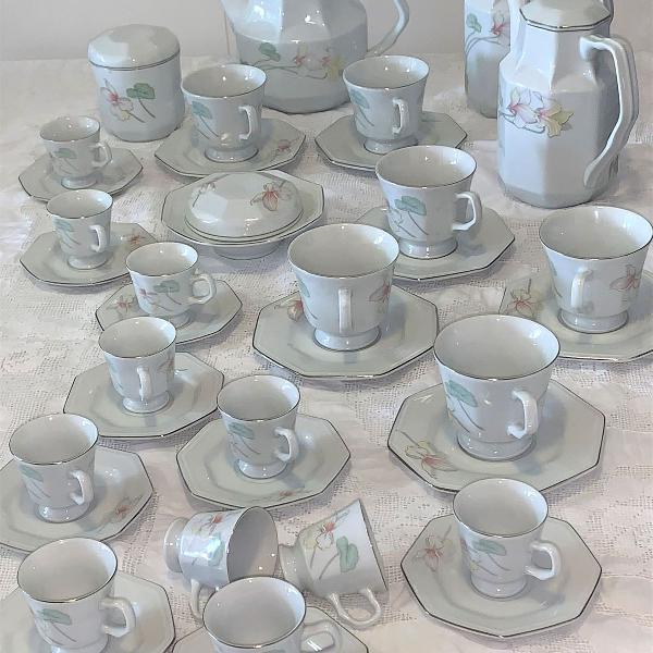 Conjunto porcelana schmidt chá e café mod prisma encanto