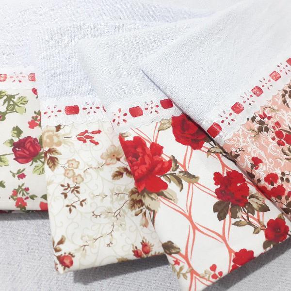 Kit panos de prato floral vermelho