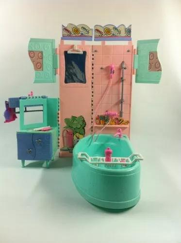 Brinquedo antigo banheiro boneca barbie susi coleção
