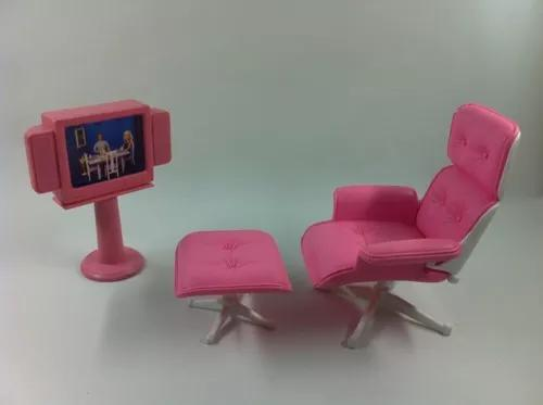 Brinquedo antigo poltrona tv 29 boneca barbie susi plastic