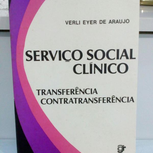 Serviço social clínico