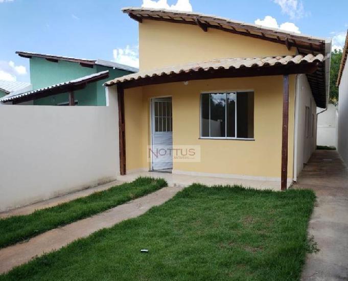 Aluguel casa 02 quartos - bairro centro - mateus leme-mg.