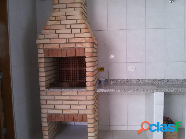 Casa com dois dormitórios sendo um suíte em itanhaém