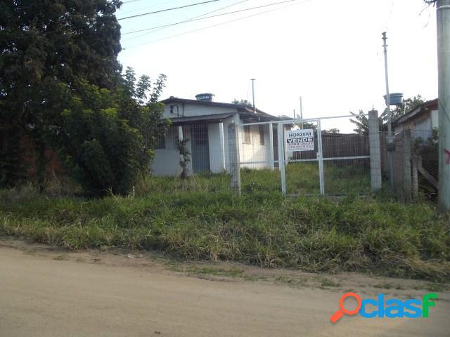 Casa alvenaria, (02) dormitórios, Poço artesiano, Centro de Águas Claras 1