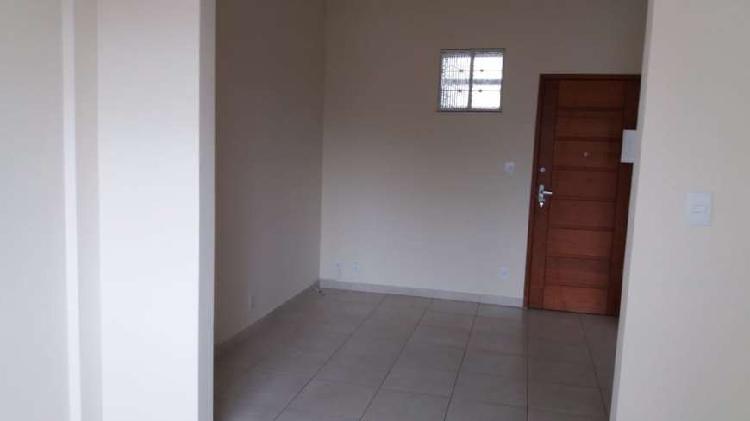 Apartamento de quarto e sala para aluguel na praia de