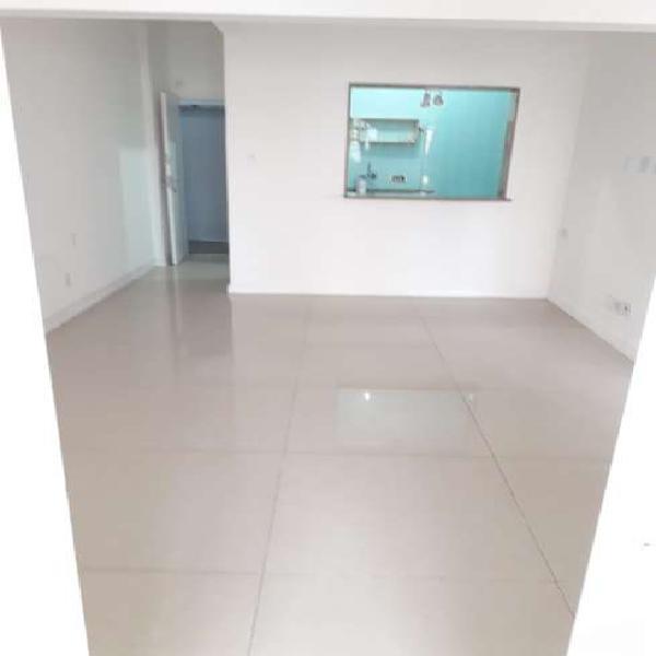Apartamento para venda com 2 quartos no coração da lapa