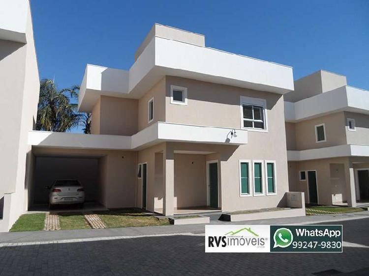 Casa de condomínio com 3 quartos sendo 3 suítes na região