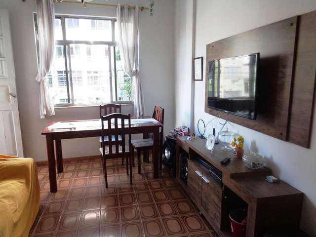 Apartamento 02 quartos com dependência completa de