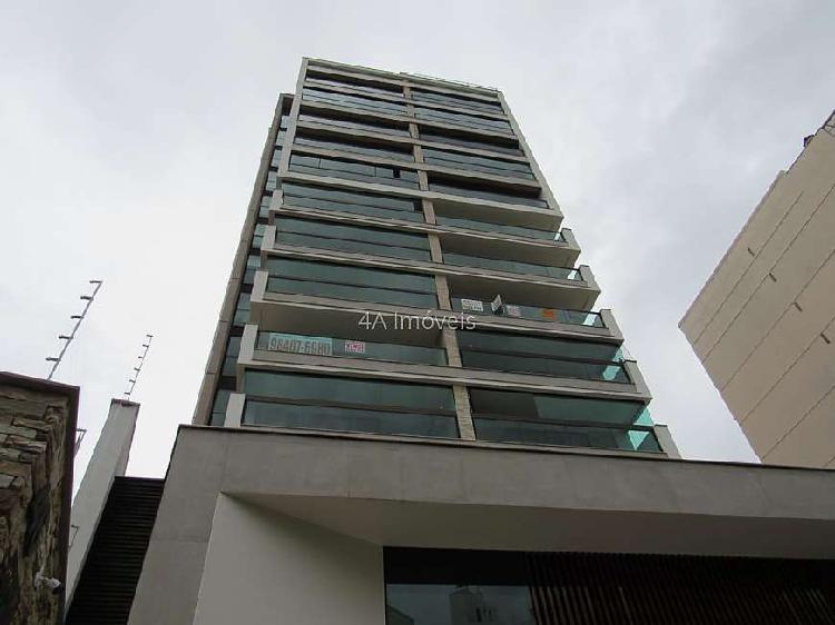 Ref.: 2105 - Apartamento de 2 suítes e 2 vagas no Centro,