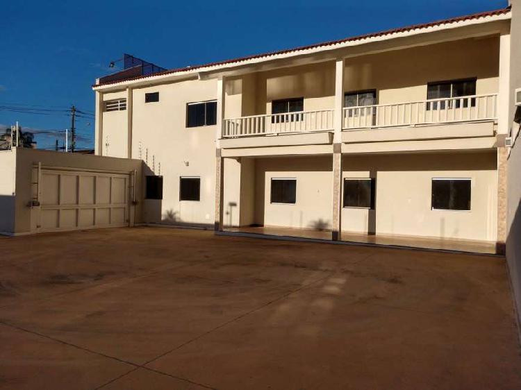 Vende - se espaço comercial no centro com 920 m² de área