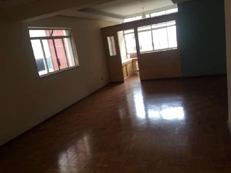 Apartamento para aluguel com 202 metros quadrados com 3