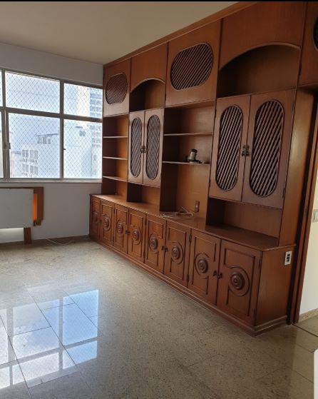 Apartamento para aluguel possui 130 metros quadrados em