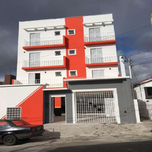 Apartamento sem condominio com 2 dormitorios e 1 vaga livre