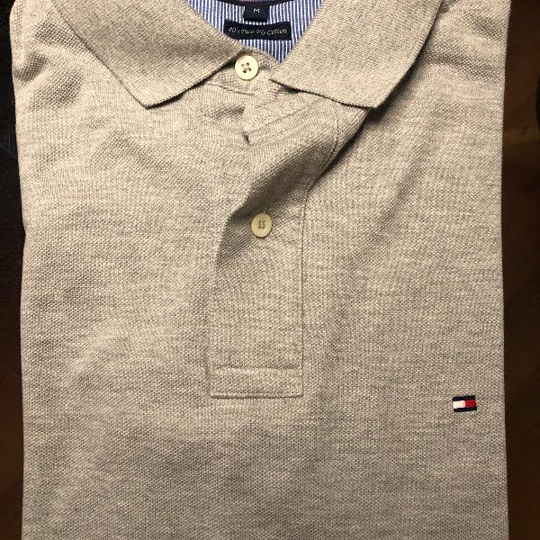 Camiseta polo cinza tommy hilfiger - tamanho: m