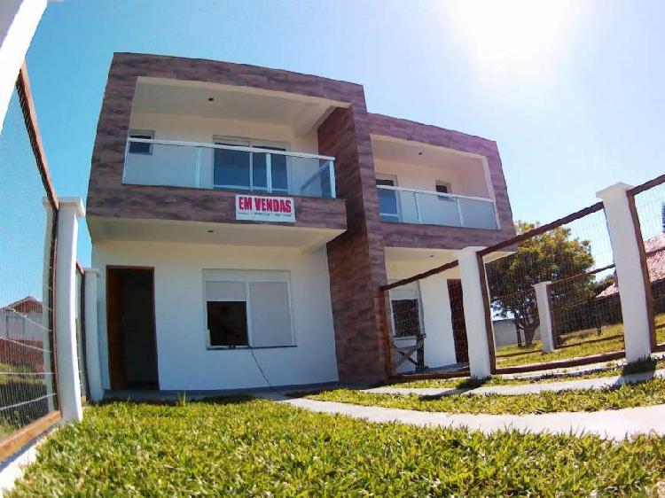 Duplex 2 quadras do mar, 2 dorm c/ sacada no bairro Arco