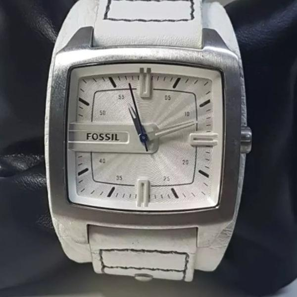 Relogio fossil tipo bracelete de couro branco original