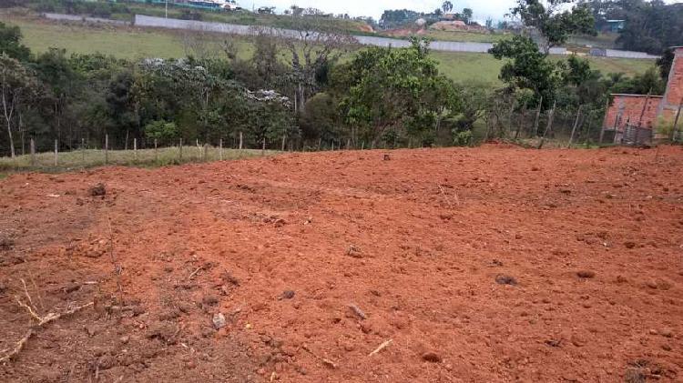Terreno de 300m2 plano pronto para construir com fácil