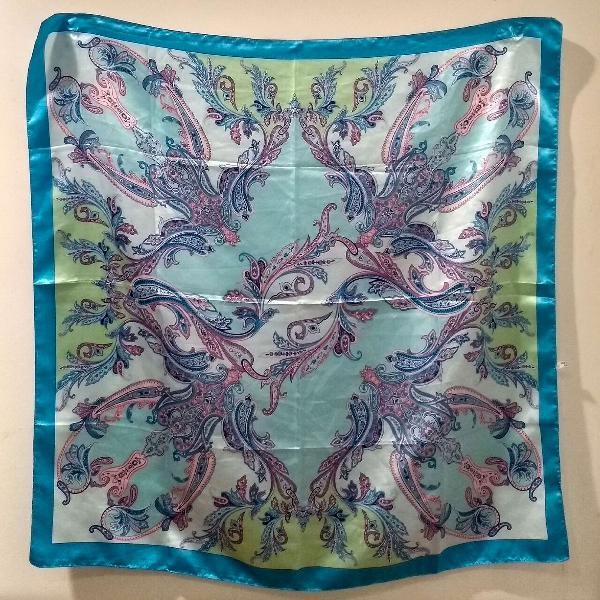 lenço estampado azul