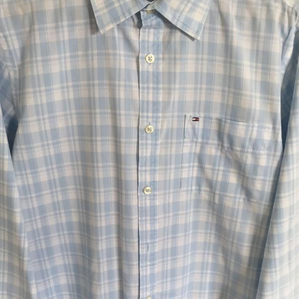 Xadrez azul claro em camisa tommy