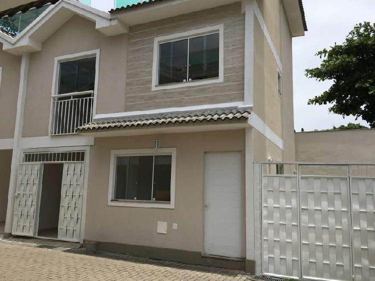 Casa em condomínio fechado com 3 quartos