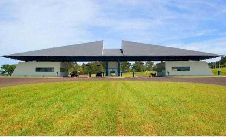 Lote/terreno para venda tem 600 metros quadrados