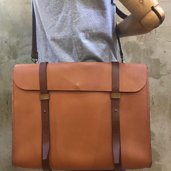 Bolsa masculina para notebook em couro legítimo