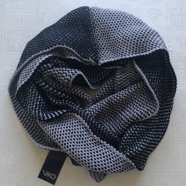 Cachecol gola cinza e preto