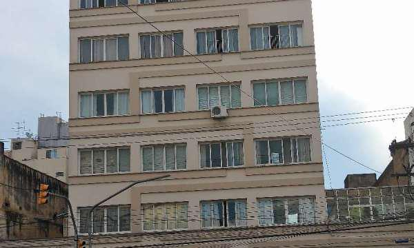 Apartamento JK para venda, na Av. João Pessoa, quase em