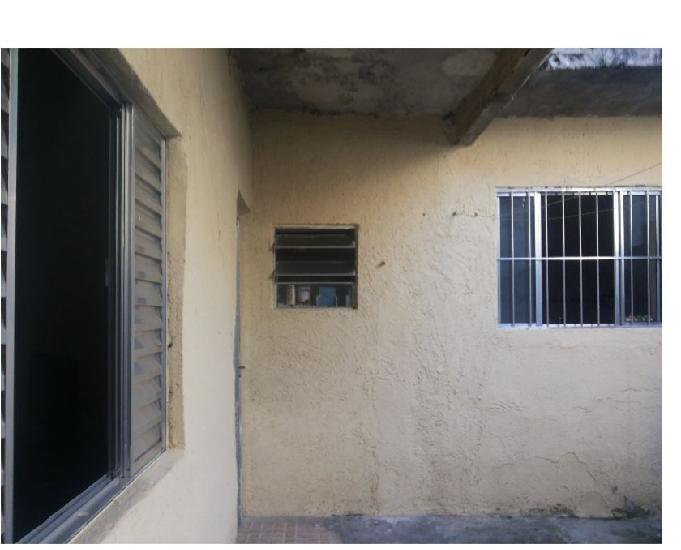 Casa com 3 cômodos, zona leste, particular