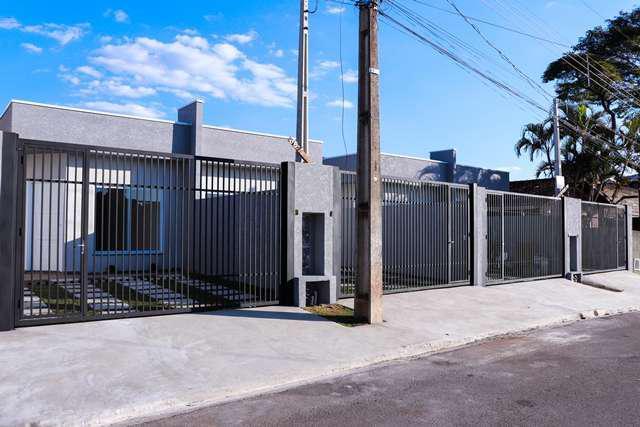 Casa para venda tem 65 metros quadrados com 2 quartos em