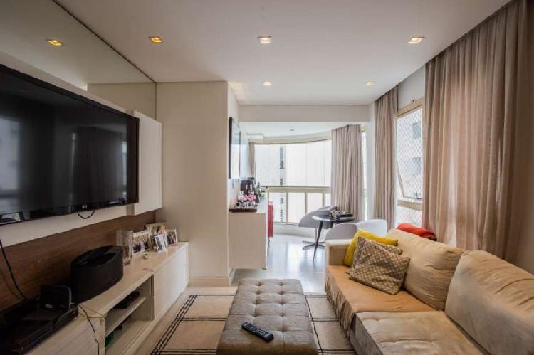 Apartamento a venda com mobília de muito bom gosto