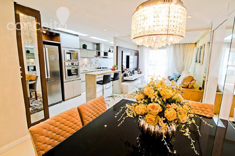 Apartamento com três dormitórios, sendo uma suíte, 120m2