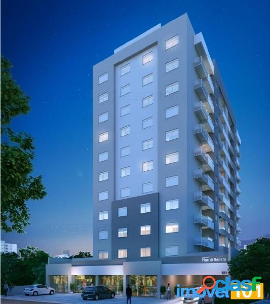 Apartamentos de 1 e 2 dormitórios co box duplo no centro